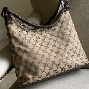 Gucci hobo style GG canvas handbag EUC Authentic